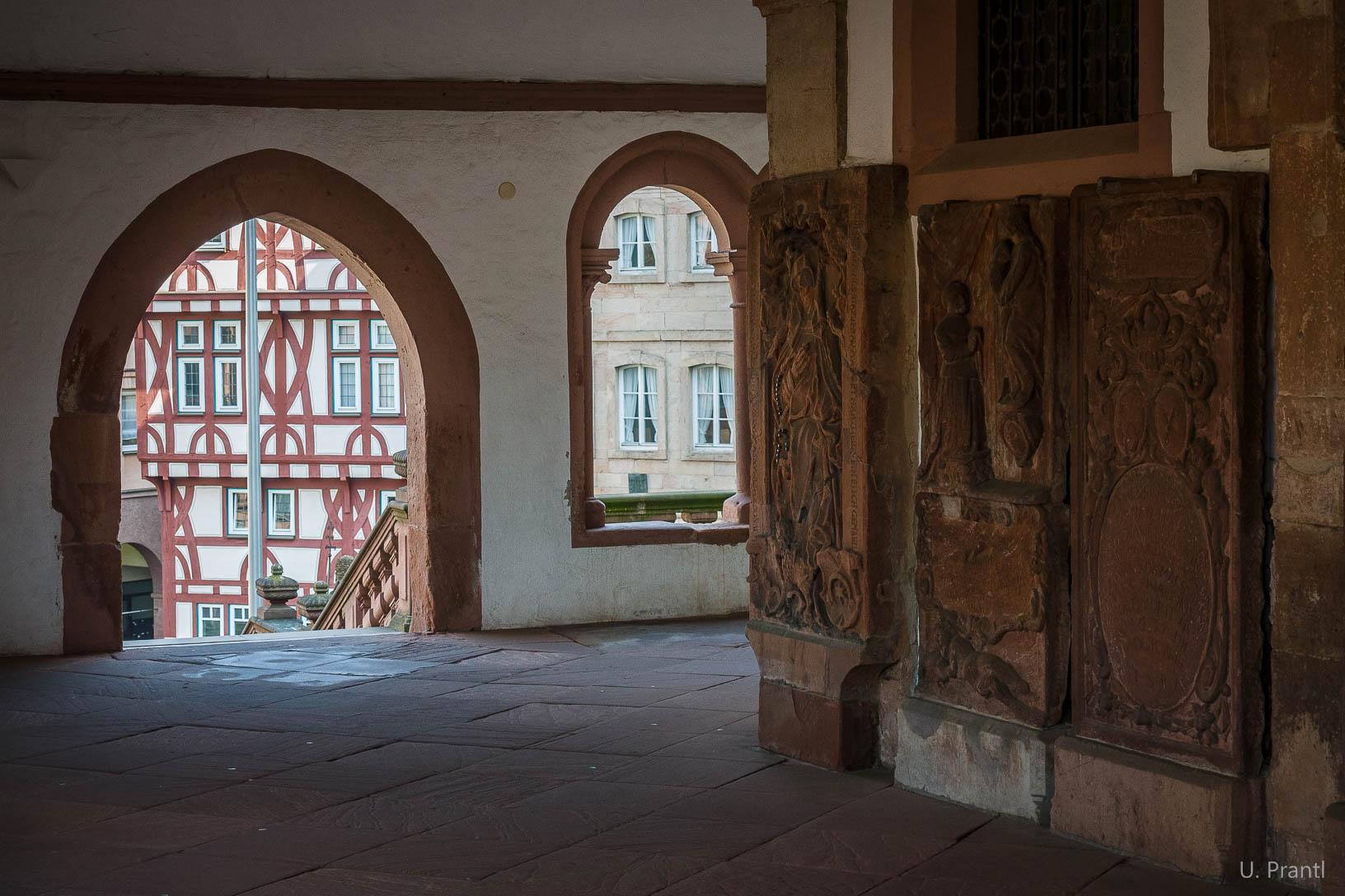 Aschaffenburg Stiftsbasilika, Stiftsplatz
