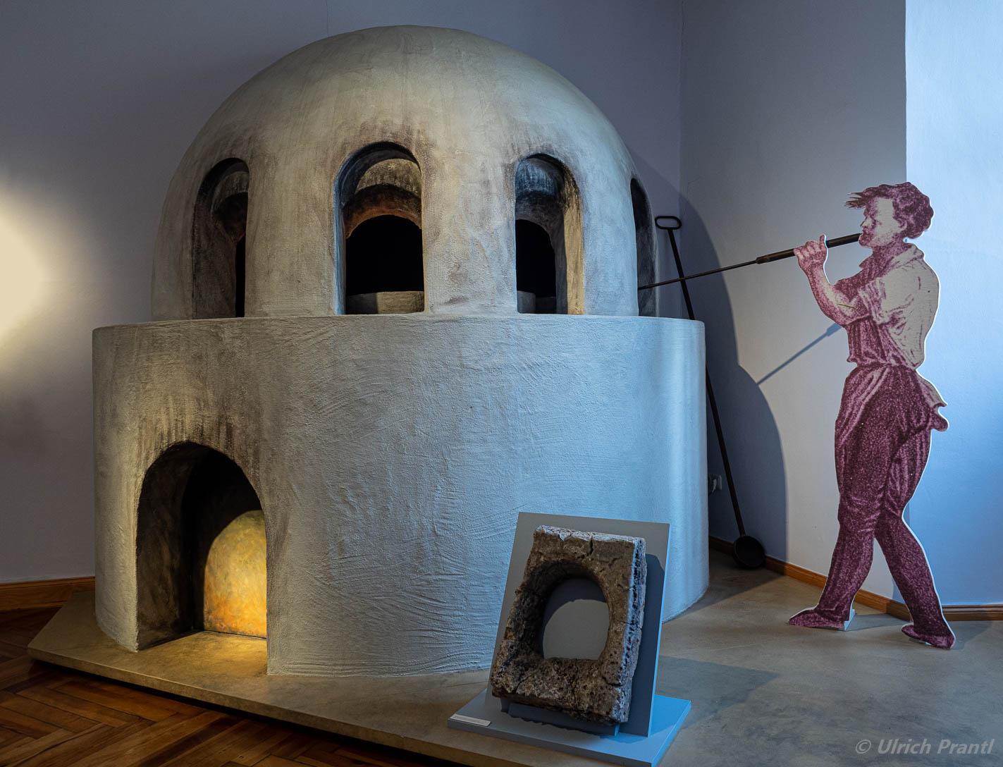Nachbau eines Glasofens im Spessartmuseum Lohr