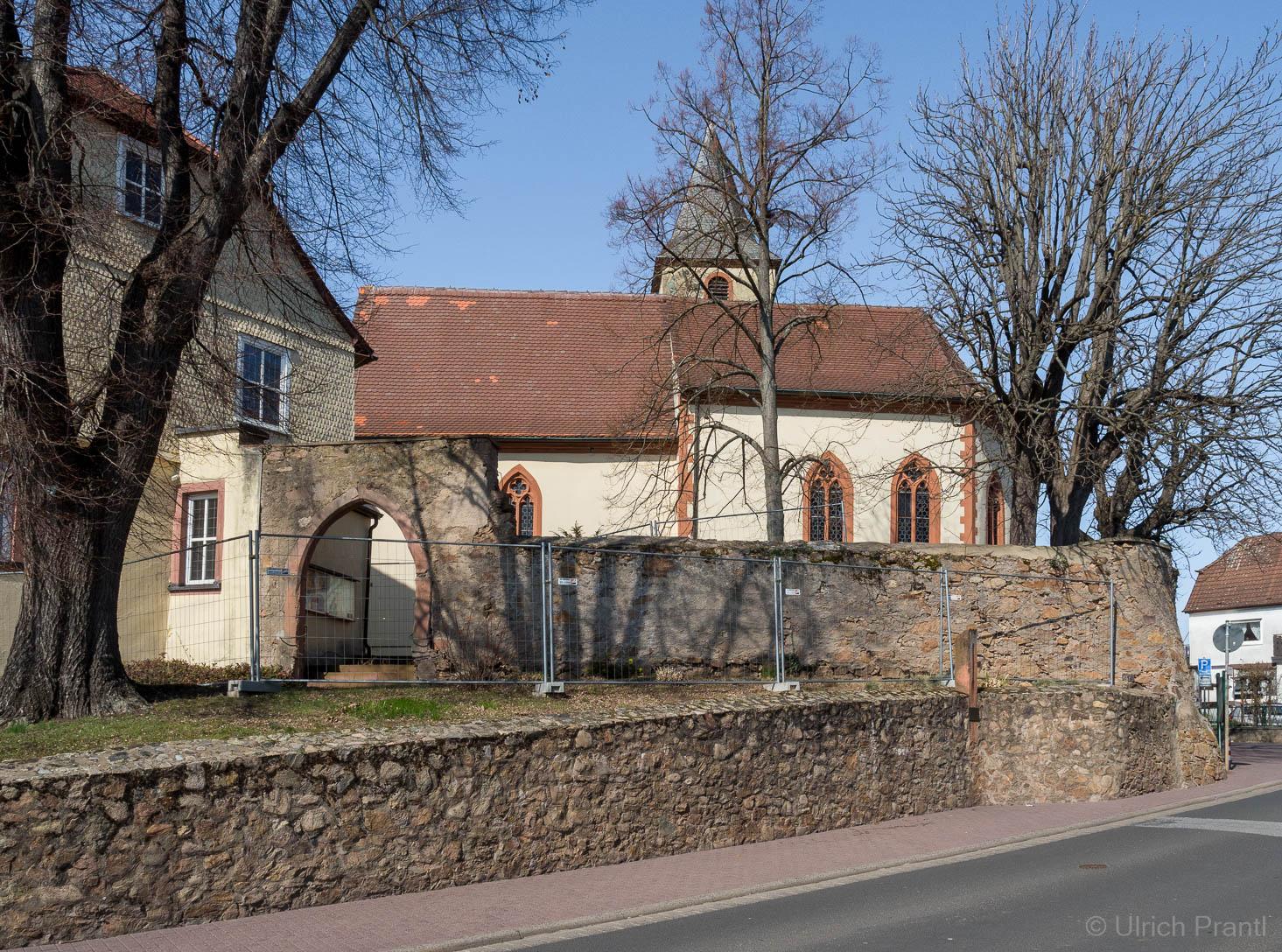 Kirchenburg Kälberau