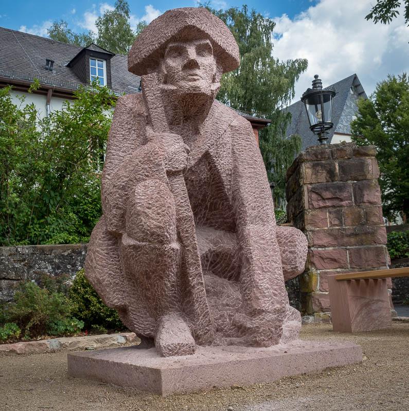 Denkmal für den Wilderer Hasenstab in Rothenbuch